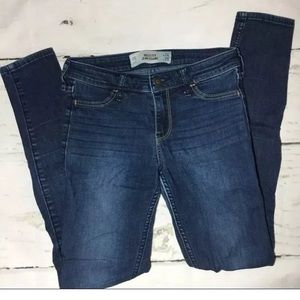 🌟 Hollister jean leggings size 0R